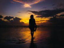 Home.fit ballad-hope-woman-beach-216x160 O QUE O CORAÇÃO QUER: Poemas crus e sinceros